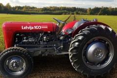 lv100traktors